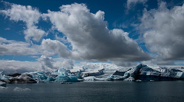Calving glacier©Bob Harvey, 2013